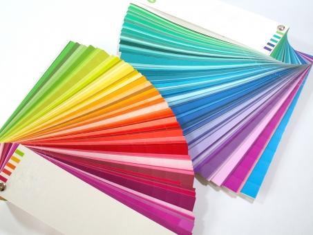 サンプル 色見本 見本 カラー カラー見本 カラーサンプル カラフル 色とりどり 色彩 模様 パターン 本 ブック カラーチャート 重ねる 重なり 虹色 レインボー 色 バリエーション グラデーション テクスチャ テクスチャー チャート 色紙 背景 素材 イメージ 白 白バック 白背景 クローズアップ 赤色 青色 緑色 黄色 オレンジ色 赤 青 ピンク色