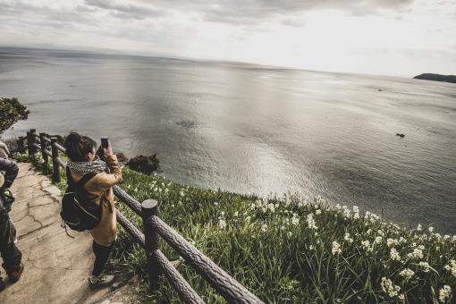 旅をする女性の写真