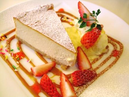 ケーキ cake チーズケーキ チーズ ベイクドチーズケーキ キャラメル イチゴ 苺 シロップ 粉 ミント 生クリーム アイスクリーム アイス おいしい うまい 皿 食べ物 デザート おやつ 休憩 Dessert sweet カフェ cafe 喫茶 糖 甘い 洋菓子