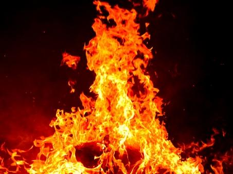炎の写真素材|写真素材なら「写真AC」無料(フリー)ダウンロードOK