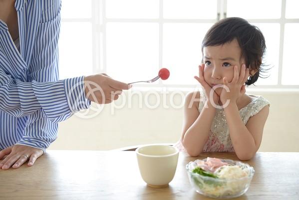 母と子 食事27の写真