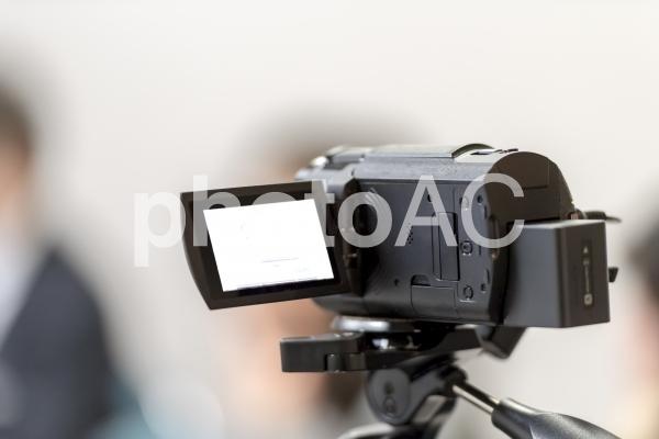 ビデオカメラで動画を撮影の写真