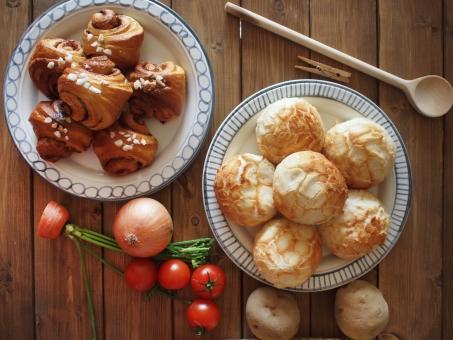 パン 北欧 シナモンロール バンズ メロンパン じゃがいも ジャガイモ トマト 焼きたてパン ミニトマト 玉ねぎ タマネギ 野菜 手作りパン おしゃれパン パン素材