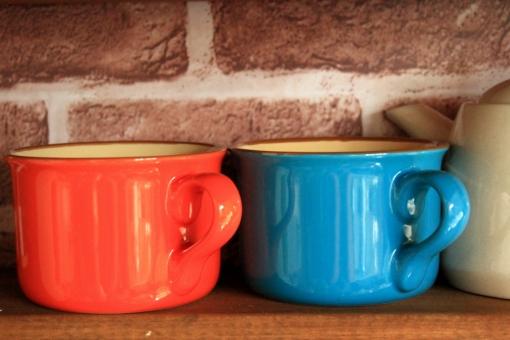 食器 カップ コップ 陶器 コーヒー ペア おそろい オレンジ 青 台所 紅茶 新生活 新婚 夫婦 カップル 喫茶店 お茶