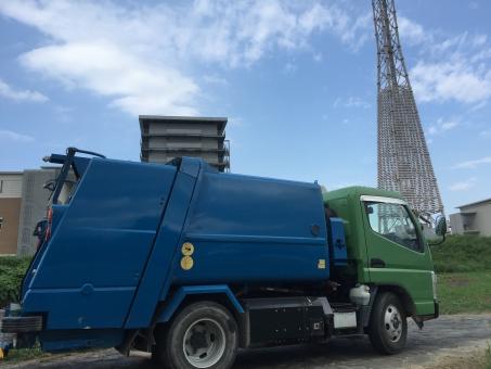 パッカー車 ゴミの車 処分する車 集積車 京都ゴミ 京都草刈り 滋賀草刈り ゴミ収集車 ゴミ