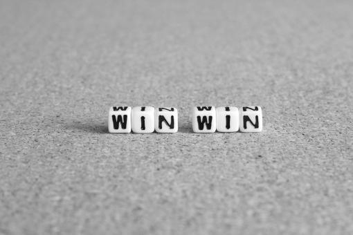 ウインウイン ウィンウィン winwin WinWin WINWIN 両者 お互いに パートナー 相互 関係性 人間関係 勝利 メリット 有益 利益 ビジネス 取り組み 活動 営業 勝ち組 勝つ 提携 享受 双方向 双方 自分 相手 二者 2者 サービス