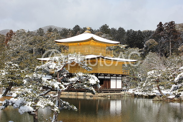 雪の金閣寺47の写真