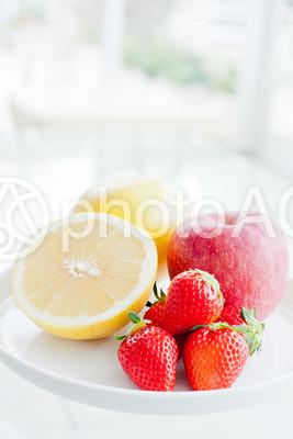 テーブルの上のフルーツ2の写真