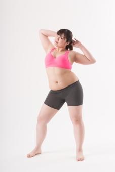 日本人 女性 ぽっちゃり 肥満 ダイエット 痩せる 痩せたい 目標 ビフォー アフター 太っている 太り気味 メタボ メタボリックシンドローム 脂肪 体系 ボディー 白バック 白背景 お腹 ウエスト ポーズ ポージング 全身 正面  立っている 自信 グラビア 腕をあげる mdjf020