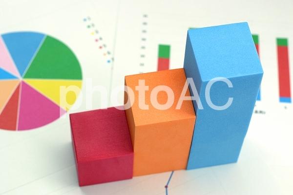 カラフルブロックのグラフの写真