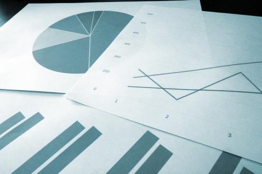 ビジネス プレゼン 提案 打ち合わせ 商談 会議 仕事 業務 作業 プレゼンテーション データ 書類 提案書 企画 企画書 提案書類 紙 まとめ 分析 提示 結果 グラフ 図 円グラフ 承認 実績 業績 成績