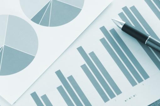 提案資料 プレゼン資料 ビジネス 商談 打ち合わせ 会議 企画 プレゼンテーション 提案 見積り グラフ ビジュアル 図形 データ 売上 売り上げ 企業 会社 デスク ミーティング 資料 書類 報告書 推移 統計データ データ分析 マーケティング 参考資料 営業 営業マン 実績 成績 販売 商売 月次資料 仕事 業務 作業 傾向と対策 市場シェア 他社 ライバル会社 競争 比率 割合 見通し 経営計画 状況 課題 経営者 マネジメント プレーヤー ビジネスマン ホームページ素材 ウェブ素材 ブログ素材 イメージ 素材 背景 背景素材 web blog