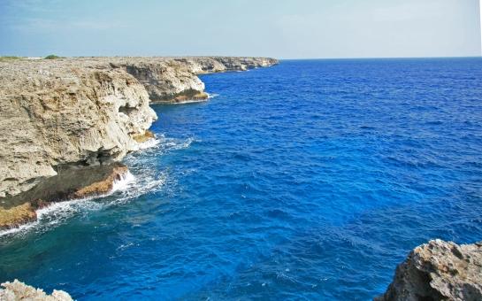 沖縄 波照間島 高那崎 夏 海 風景 景色 景観 旅行 観光 観光地 絶壁 崖