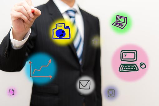 インターフェース ソーシャルネット メール イメージ コンピューター ブログ ネットワーク コントロール ホームページ インターネット パソコン it ビジネス 企業 モニター 男性 ドット スマートフォン 連絡 つながり 持つ データ 個人情報 カメラ グラフ ドキュメント 写真