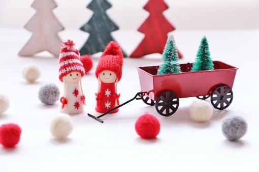 クリスマス 樅の木を運ぼ。の写真