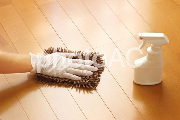 拭き掃除・除菌の写真