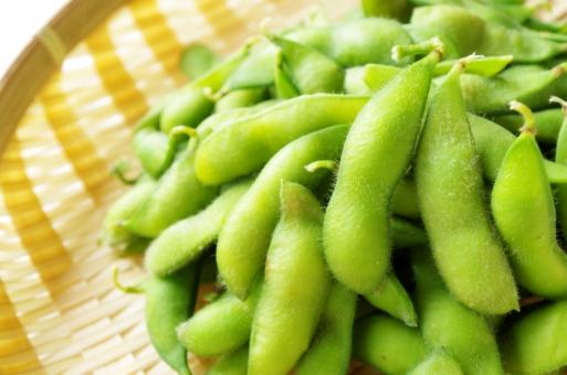 茹でたて枝豆の写真