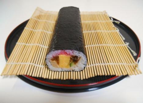 太巻き寿司 太巻き 太巻寿司 巻き寿司 まきずし 巻きずし 海苔巻 のりまき 海苔まき ふとまき まきもの 巻物 恵方巻 恵方巻き 節分 えほうまき 巻き簾 まきす 巻き簀 運動会 花見 誕生日 家庭料理 母の味 日本料理