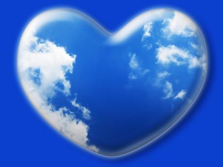 ハート はーと heart 素材 背景 アイコン ラブ love 愛 ロマンチック バレンタイン フレーム クリスタル風 枠 空 青空 雲 白雲 青 白 コピースペース