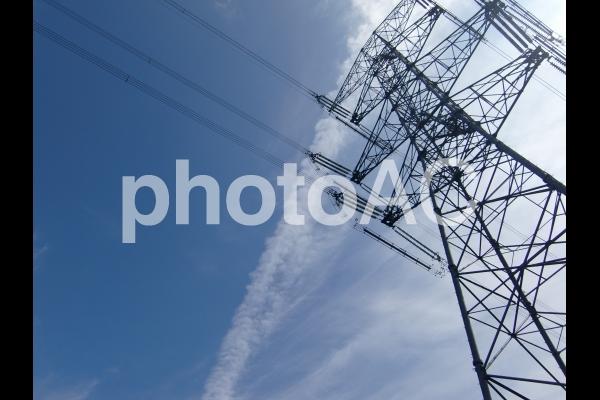 空と鉄塔の写真