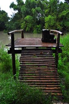 自然  風景  景色  スナップ  旅  旅行  外国  海外  思い出  レジャー  海外  異国 観光  文化  歴史  遺産  南国  パラダイス  リゾート  アジア 東南アジア フィリピン フィリピン共和国 島国 森林 植物 森林浴 木 のどか 休息 川 桟橋 釣り場