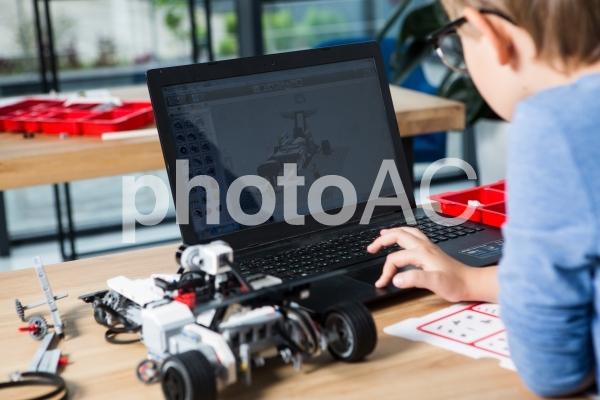 子供とロボット24の写真