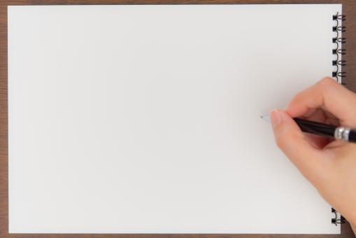 コピースペース フレーム イラスト 落書き 背景 白紙 画用紙 四角 リング テクスチャ ルーズリーフ ノート フローリング 本 コーナー ペーパー ページ 紙 エンピツ 枠 メモ帳 美術部 らくがき デッサン 写生 コンテ画 水彩画 絵具 絵の具 えんぴつ 美術学生 絵ハガキ 描く めくる ポストカード 絵はがき ペン画 絵画 置き手紙 自由帳 ホワイト 仕事 事務 手 女性 ペン