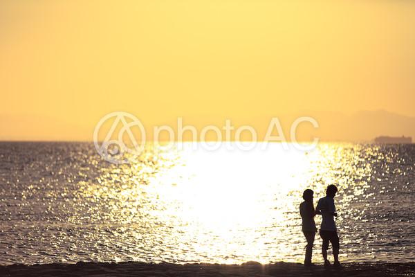 ロマンチックな海辺のデート7の写真