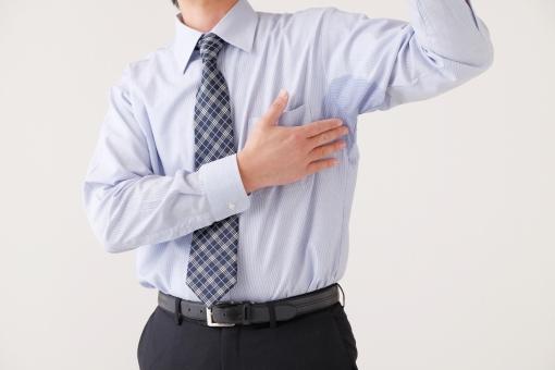 汗 脇汗 ビジネスマン ビジネス スーツ ワイシャツ 脇 しみ シミ 夏 臭い 匂い におい くさい 男性 男 日本人 上半身 ボディパーツ 中年 仕事 サラリーマン 背広 わきが 一人 不潔 体臭 衛生 働く 脇の下 人 暑い