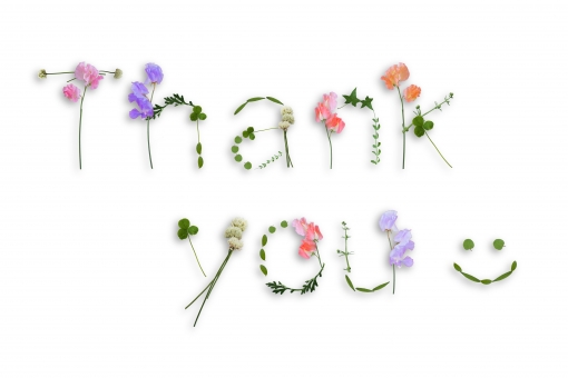 メッセージ メッセージカード グリーティングカード ありがとう 有難う 感謝 気持ち 英文字 文字 アルファベット 英語 単語 花 花文字 スイートピー しろつめくさ クローバー 葉っぱ 葉 植物 にこにこ ニコニコ ニコニコマーク アイビー ボタニカル 母の日 父の日 テクスチャ 素材