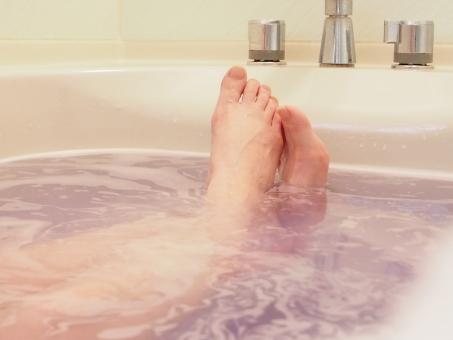 入浴する女の写真