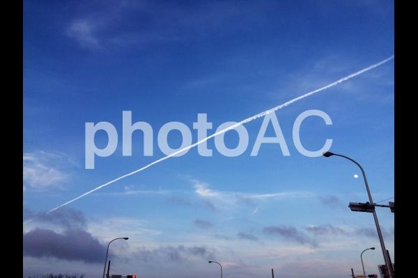 ひこうき雲②の写真