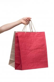 紙袋 手提げ袋 バッグ ペーパーバッグ 紙製 和紙 赤 白 紅白 手 左手 手指 手首 腕 左腕 ハンド 持つ つかむ 提げる 伸ばす 持ち上げる ぶら下げる 渡す 差し出す 受け取る もらう 無地 ハンドポーズ ポーズ ハンドパーツ パーツ 白バック 白背景