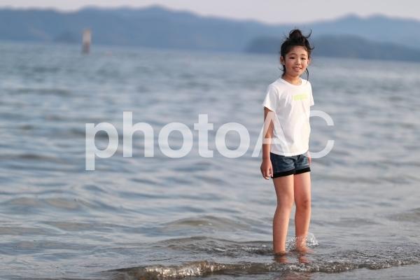 海と少女3の写真