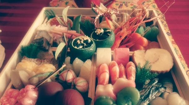 おせち かまぼこ 黒豆 正月 迎春 豪華 新年 エビ 海老 練り物 料理 和食 金粉 伊達巻 ヴィンテージ