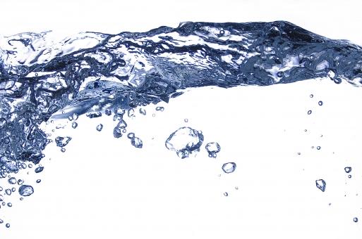 ウェーブ 水 液 揺れる 波 環境 スタジオ撮影 瞬間 スタジオ 水滴 泡 断面 バブル 白背景 ホワイトバック テクスチャー 背景なし 水泡 背景色 白 青 スチール スティルライフ 透明感 涼しい 清涼感 みなも 液体 あぶく クリア エコ 流れる 白色 青色 ブルー マクロ 美しい イメージ クローズアップ 素材 余白 コピースペース 水面 アップ ウォーター