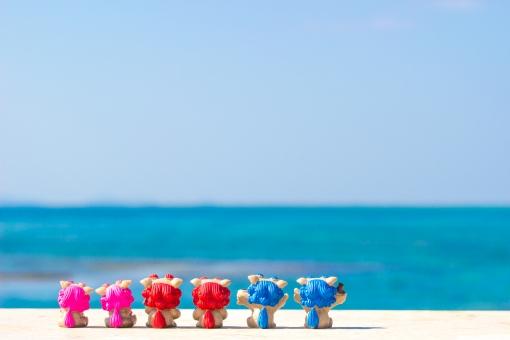 シーサー ビーチ 砂浜 青空 スカイブルー 沖縄 海 南国 トロピカル リゾート 海水浴 夏休み 夏 真夏 常夏 観光 波 グラデーション バケーション オーシャン 休暇 美しい パンフレット 旅行 きれい 楽しい 遊ぶ 風景 背景 青い海 エメラルドグリーン コバルトブルー 爽やか 入道雲 沖縄旅行 旅 おきなわ 沖縄県 サマー 白 白色 自然素材 背景素材 自然 壁紙 オキナワ 青 青色 7月 8月 砂 快晴 空 夏季 琉球 光 景色 コバルト エメラルド ブルー ピンク 赤