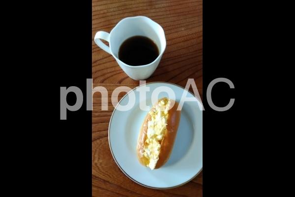 コーヒーとたまごサンドの写真