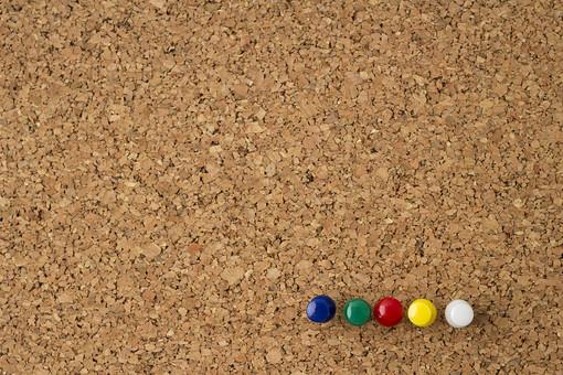 コルクボード コルク板 コルク ボード 掲示板 板 壁 壁掛け 部屋 文具 文房具 雑貨 インテリア 装飾 飾り 飾る 木材 木工 掲示 連絡 伝言 告知 貼付 貼り付け 貼る 茶色 ブラウン 画鋲 押しピン