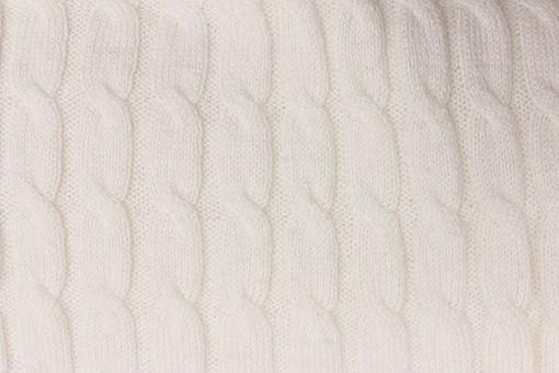 ニット 編地 毛糸 糸 混紡 編み物 ニット地 編み地 編む テキスタイル 背景 背景素材 テクスチャ ファッション 素材 手芸 繊維 衣類 編み目 生地 衣類 カットソー 衣服 アパレル 模様 ファブリック 雑貨 手編み 裁縫 模様編み 柄編み 模様 縄編み 縄 白 ホワイト