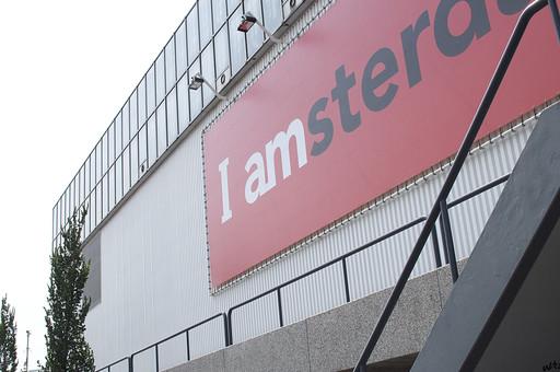 オランダ Holland アムステルダム シティー 都市 ショッピング 建物 ビル 看板 屋外 野外  目印 街並み 壁 外壁 パネル 手すり モール 外国  ホール 会場 ミュージアム イベント  ポスター