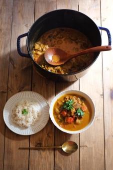 カレー インドカレー かれー カレーライス スパイス インド 辛い 辛い食べ物 食べ物 汗 発汗 香辛料 お昼ごはん ランチ カフェめし カフェごはん カフェランチ カフェ カレー屋 ラム肉 ラム 羊肉 羊