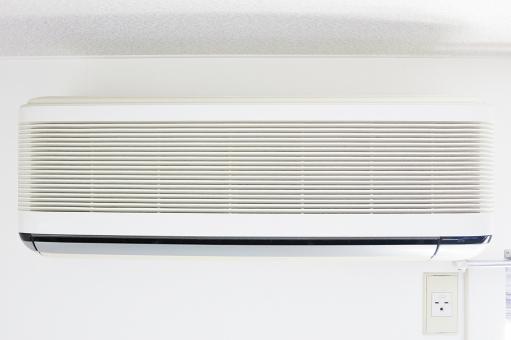 エアコン クーラー 暑い 涼しい 工事 取り付け工事 取り付ける 設置 室外機 買い替え 買いかえ 節約 節電 電気料 電気料金 天井 コンセント 電圧 暖かい 部屋 夏 バテる 夏バテ 白 古い 大掃除 室内干し 乾燥 待機電力 電化製品 電気 住宅 エコ 光熱費 温度 冬 温風 冷風 送風 交換工事 交換 省エネ エネルギー 気持ちいい クリーニング 掃除 エアコンディショナー エア・コンディショナー 空調 空調設備 リモコン 熱中症 冷え性 クーラー病 電気代 寒い 適温 冷房病 除湿 扇風機