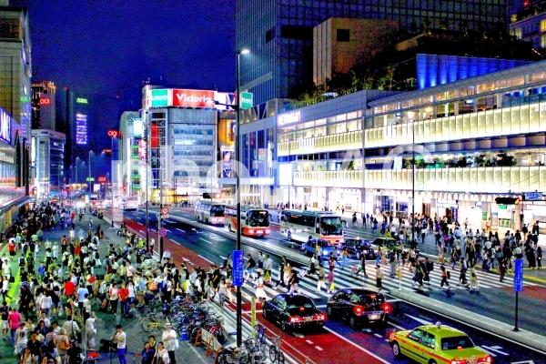 新宿南口 夜景HDRの写真