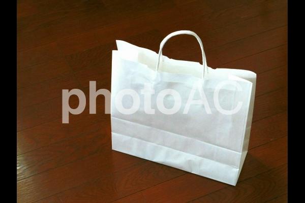 白い紙袋の写真