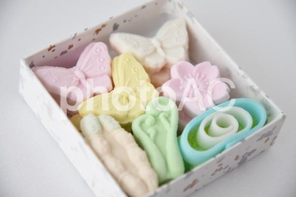 春の和菓子の写真