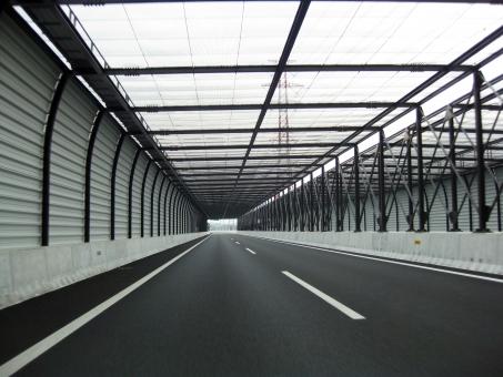 ハイウェイ 自動車道 道 みち こうそく スピード speed 高速道路 高速 道路 こうそくどうろ 早い 速い はやい パース 遠近法 透視図法 パースペクティブ