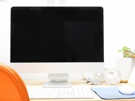 パソコン 作業 デスクワーク デスクトップ pc キーボード 観葉植物 アイビー 緑 マウス パッド メッシュ 生地 布 通気性 オレンジ ビジネス デスク ワーク 在宅 soho 椅子 チェア デザイン