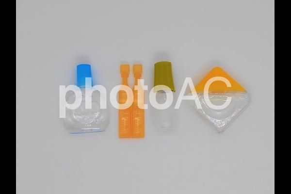 色々な種類の目薬の写真