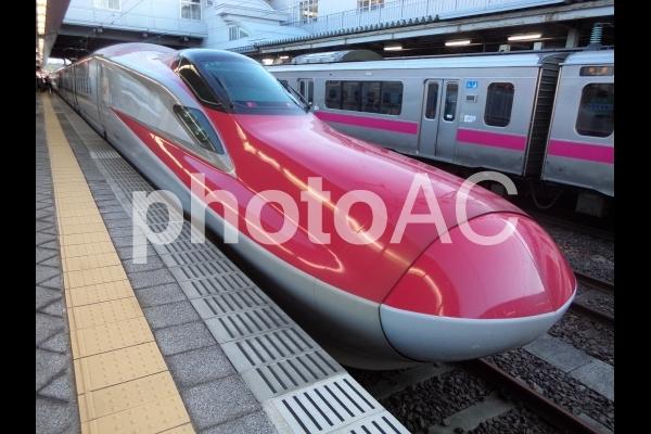 JR東日本秋田新幹線E6系車両の写真